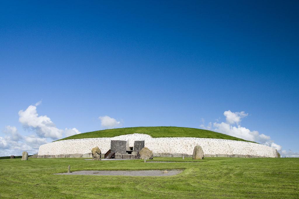 Chauffeur Ireland by Goldstar – Boyne Vally and Newgrange Tours